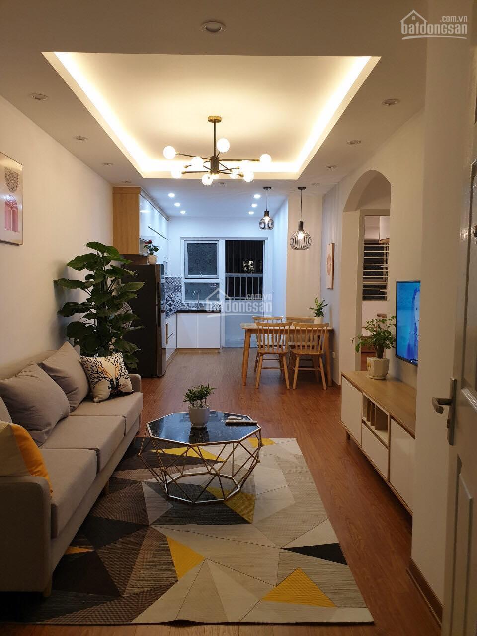 Cần bán gấp căn hộ 2PN giá 960tr HH1 đầy đủ nội thất, còn gói vay 450tr, LH Mrs Hoa 0915057768