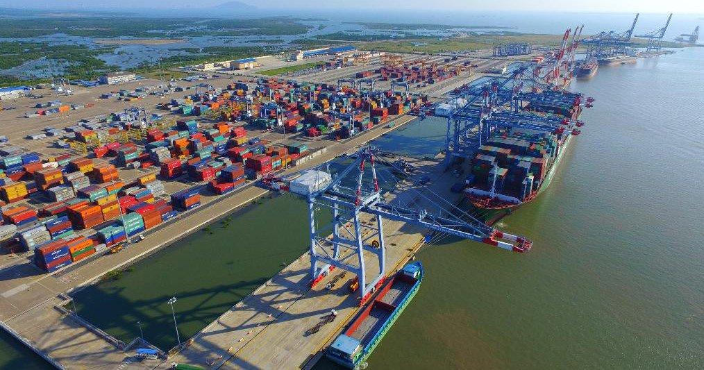 Cụm cảng Thị Vải - Cái Mép với quy mô lớn trong khu vực