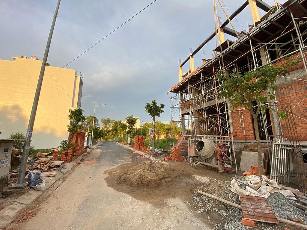Hiện nay người dân chỉ được xây nhà trên đất thổ cư