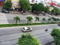 Cho thuê nhà mặt tiền Nguyễn Văn Cừ, 3 lầu, xéo trường ĐH Kỹ Thuật, DT: 5x40m Lưu tin