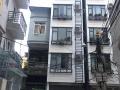 Cho thuê ở tầng 2 và 3, có nhà để xe tầng 1, có thang máy, mỗi tầng 2 phòng khép kín