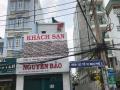 Nhà nát đường Đỗ Xuân Hợp, Quận 9, cách chợ Phước Long B 50m