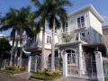 Cần bán biệt thự Phú Mỹ Hưng với DT 230m2 - 305m2 - 396m2 - 500m2, ngay khu Hà Huy Tập sầm uất