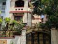 Cho thuê nhà nguyên căn mặt tiền đường Hát Giang, DT: 8x20m, 2 lầu. LH: 0966.88.33.04