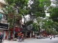 Cho thuê mặt bằng phố Bà Triệu, diện tích 300m2/sàn, MT 11m, thông sàn, không hạn chế kinh doanh