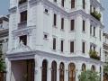 Cho thuê khách sạn Phú Mỹ Hưng, 14 phòng, căn gốc, đường lớn, DT: 11x18,5m LH: 0933 683 306