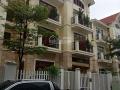 Cho thuê biệt thự 96 Nguyễn Huy Tưởng, Thanh Xuân, HN. DT 220m2 x 4 tầng, MT 10m, giá 70 tr/tháng