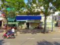 Mặt bằng vị trí cực tốt ngang 11m, đường: Kênh Tân Hóa, Q. Tân Phú