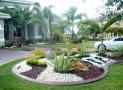 Sử dụng đá, sỏi trang trí sân vườn và những điều cần lưu ý