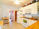 Phòng bếp hiện đại, sinh động hơn sau khi cải tạo
