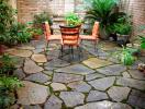 Tại sao sân vườn không nên lát đá kín?