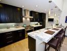 Những vật liệu giúp cho bề mặt bếp sang trọng