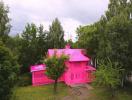 Mãn nhãn với ngôi nhà màu hồng rực rỡ