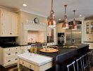 Làm đẹp căn bếp với hệ thống đèn treo thả