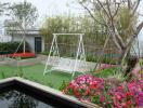 Khu vườn trên sân thượng đẹp như công viên mini ở Hà Nội