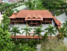 Ngôi nhà sàn 200 tỷ làm bằng gỗ lim lớn nhất Việt Nam