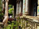 Khung cảnh hoang tàn của biệt thự Pháp 100 tuổi ở Sài Gòn