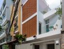 Nhà ống Sài Gòn với giếng trời lung linh hoa nắng
