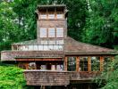 Ngôi nhà xinh đẹp làm bằng vật liệu tái chế giữa rừng xanh