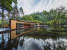 Ghé thăm khu nhà tuyệt đẹp bên hồ nước ở Nhật Bản