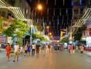 Hà Nội: Phương án mở rộng phố đi bộ chưa được xem xét
