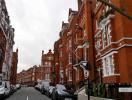 Giao dịch bất động sản tại Anh giảm sút do bất ổn kinh tế