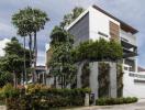 Ngôi biệt thự với thiết kế độc đáo tựa một ốc đảo xanh mát ở Indonesia