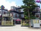 Độc đáo khách sạn làm từ 26 container nằm sát vịnh Hạ Long