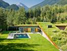 Ngôi nhà mái cỏ hòa lẫn vào thiên nhiên