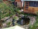 Vườn hồng 1.000m2 bao quanh ngôi nhà gỗ nhỏ ở Đà Lạt