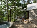 Ngôi nhà 36m2 nằm cheo leo bên sườn đồi thông tại Hà Nội