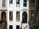 """Ngôi nhà thế kỷ 19 đẹp """"ngoạn mục"""" sau khi cải tạo"""