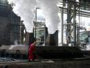 Giá thép tiếp tục giảm trước tin đồn Trung Quốc thả nổi chỉ tiêu sản lượng