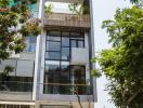 Nhà phố phóng khoáng ở Sài Gòn của chủ nhà làm nghệ thuật