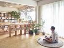 Căn hộ đơn giản nhưng phong cách với phòng làm việc rộng thênh thang