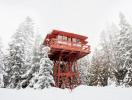 Phòng nghỉ độc đáo được cải tạo từ tháp canh cũ