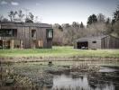 Ngôi nhà gỗ tuyệt đẹp hòa lẫn vào khung cảnh rừng bao quanh