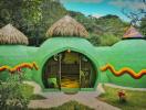 Ngôi nhà nhỏ huyền bí giữa rừng Montezuma