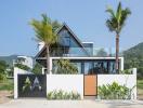 Vợ chồng Việt kiều xây nhà dưỡng già đẹp tựa resort cao cấp