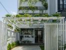 Nhà phố ngập tràn cây xanh và ánh sáng của cặp vợ chồng trẻ ở Đà Nẵng
