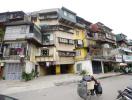 Thu nhập trung bình, chọn chung cư, nhà riêng hay căn hộ tập thể cũ?