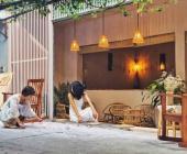 Mang đất sông Hồng về cải tạo nhà tập thể cũ thành quán cà phê
