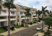 Định cư nước ngoài nên bán gấp căn BT sân vườn Dragon Parc, KDC Phú Long, DT 8 * 21m LH: 0909904066