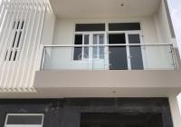 Cho thuê nhà phố khu ABC làng đại học Phước Kiển, đường Nguyễn Hữu Thọ, giá 20tr/th, LH 0901319986