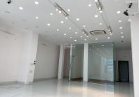 Q4 Tôn Đản - Building mini 3 lầu ốp kính hình thật 100% còn ưu đãi giá cho khách thiện chí