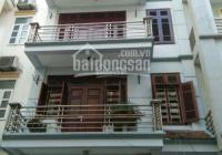 Nhà cho thuê nguyên căn hẻm 371 Hai Bà Trưng nằm đối diện chợ Tân Định. LH: 0.0901808788 A Duy