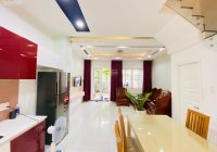 Cho thuê nhà full nội thất 75m2, 2 lầu, 3PN, Đông Nam, có sân để ô tô, an ninh 24/7 LH 0908 119226