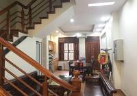 Chính chủ cho thuê nhà 5 tầng ngay đường Lạc Long Quân, diện tích 80m2, Liên hệ 0988536827