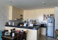 Nhà tôi cần bán căn hộ trong chung cư Ngọc Lan view lầu cao 96m2, cần bán lại với giá 2tỷ4 đã có sổ