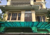 Cho thuê nhà biệt thự sân vườn ngõ 319 Tam Trinh, DT 170m2x4T và 200m2 sân vườn, giá 33tr